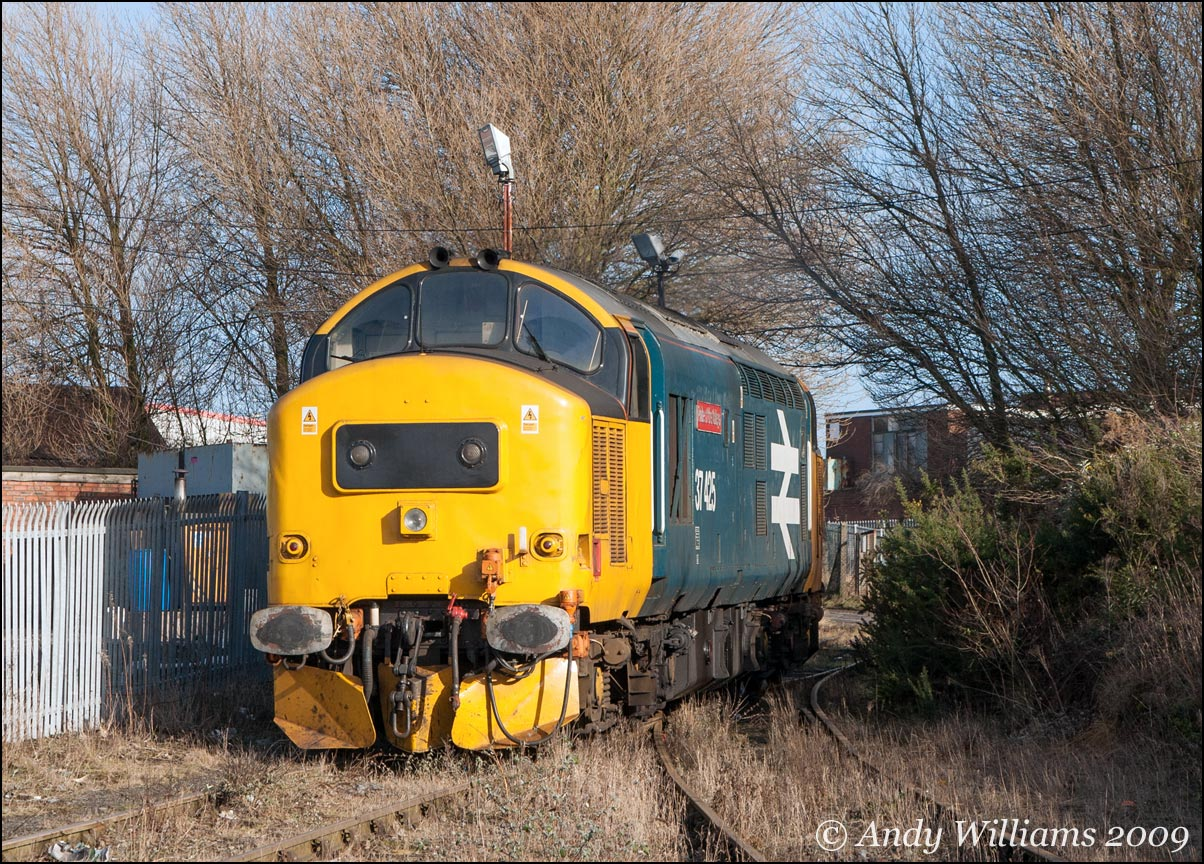 37425 in the smelter sidings at Bloxwich