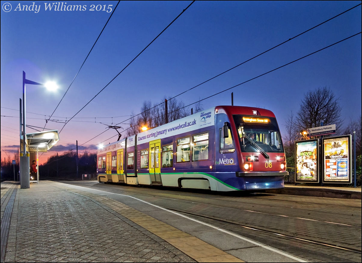 Tram 08 at Wednesbury Parkway