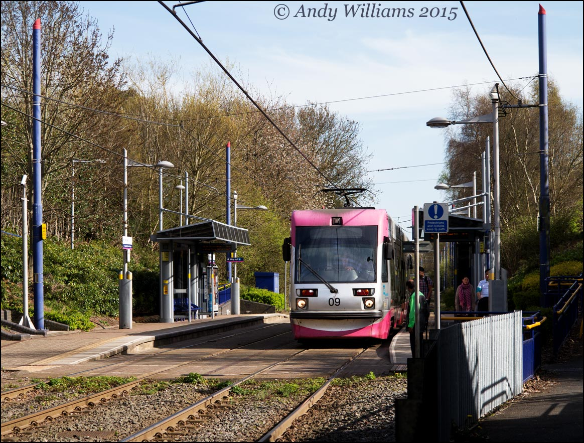 Tram 09 at Trinity Way, West Bromwich