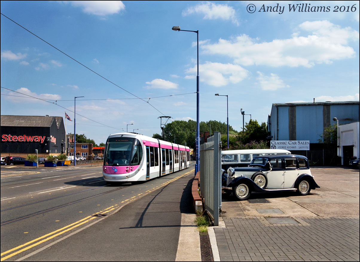 Tram 23 on the Bilston Road, Priestfield