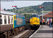 47105 and 37324 at Winchcombe